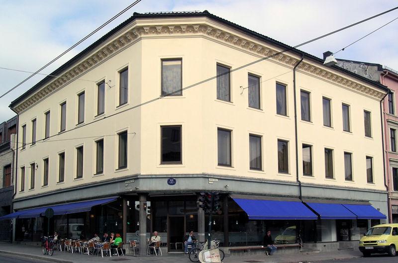 800px-Schous_plass_1_Oslo